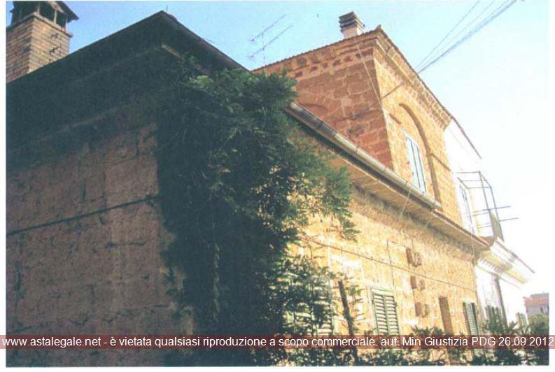 Capranica (VT) Localita' Ruscelli - Piazza Garibaldi 7