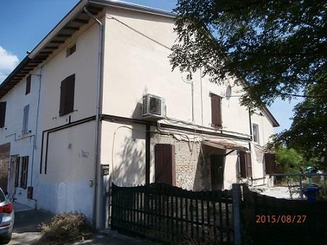 Sissa Trecasali (PR) Frazione Sissa, località Coltaro, Via Roma 84
