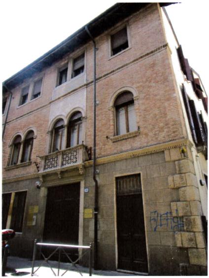 Padova (PD) Via CESARE BATTISTI 54