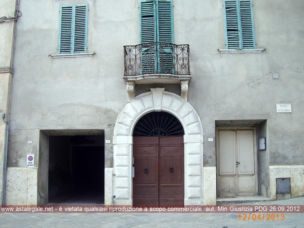 Sinalunga (SI) Piazza XX Settembre 11