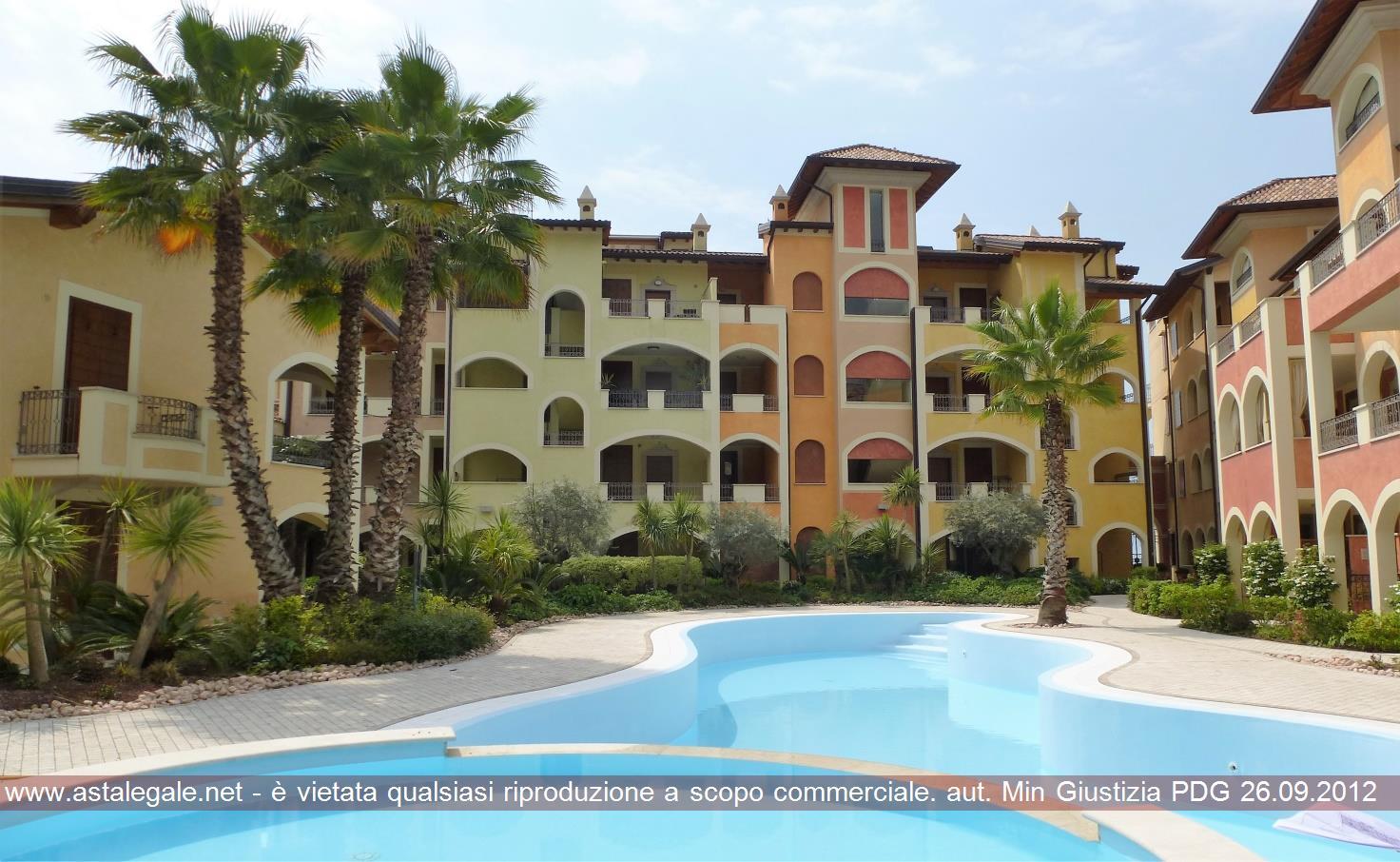 Toscolano-maderno (BS) Via Lungolago Zanardelli n.c. 32-34 e accesso carraio dalla Via Carducci n. 2