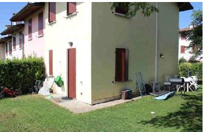 Desenzano Del Garda (BS) Localita' Vaccarolo, Via Vaccarolo 2/A