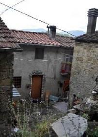 Vernio (PO) Frazione Costozze - Via Il Monte  14