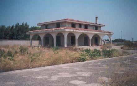 Brindisi (BR) Via R. De Simone, 28 (c.da S. Teresa) 28