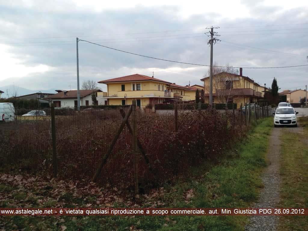 Porcari (LU) Via Vicinale detta Del Ferracci - frazione Rughi