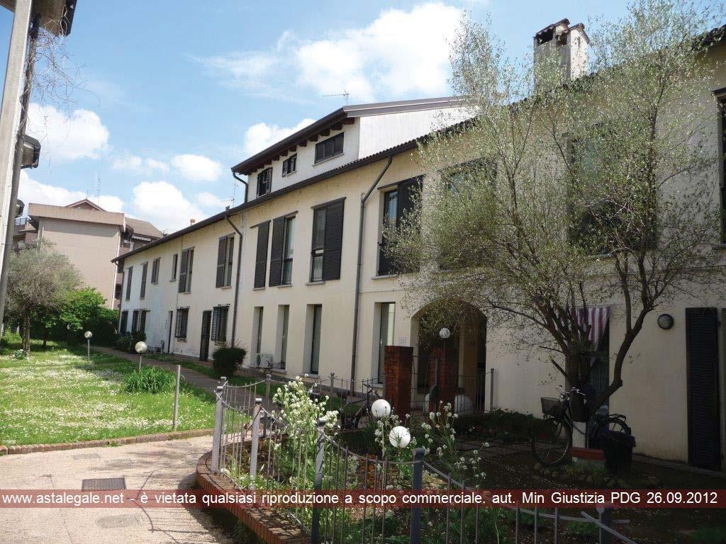 Cesano Maderno (MB) Frazione Binzago - Via G. Agnesi 9