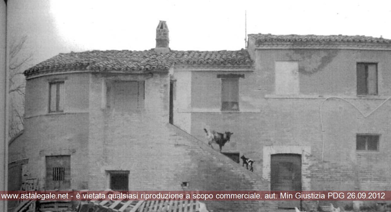 Potenza Picena (MC) Contrada Asola