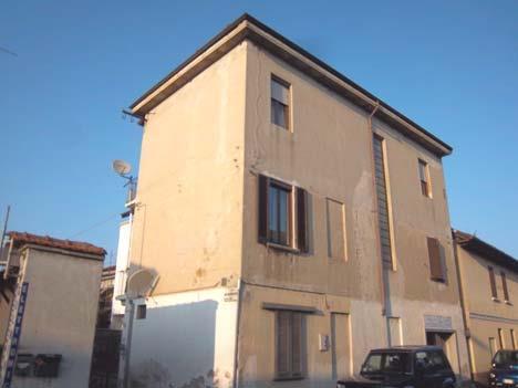 Vigevano (PV) Via San Giovanni 20 (angolo Vicolo Monferrato)