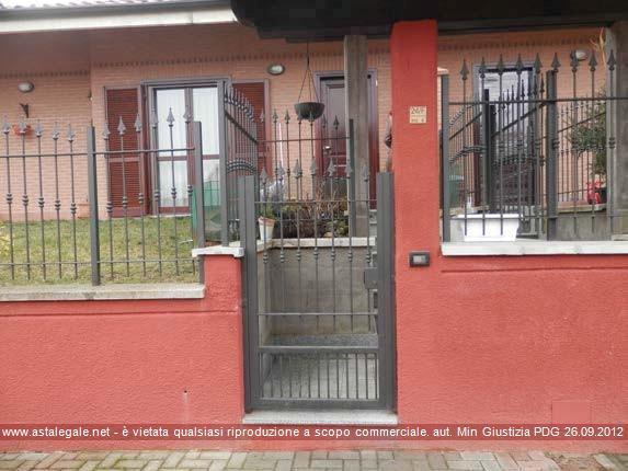 """Castagnito (CN) Via IV Novembre 24/F, nel villaggio denominato """"Le Terrazze"""", nell'edificio bifamiliare con accesso dall'interno 4"""
