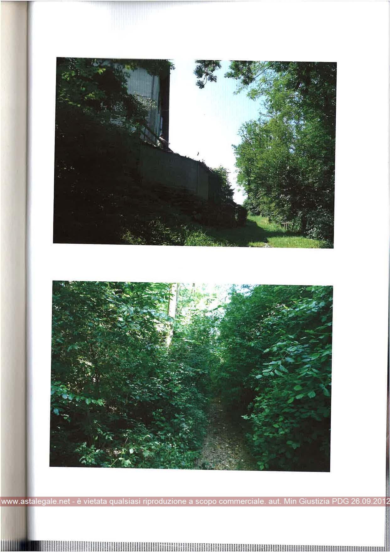 Carugo (CO) Accesso lungo strada di campagna che congiunge Via Filippo Turati con la Strada Provinciale 40 snc