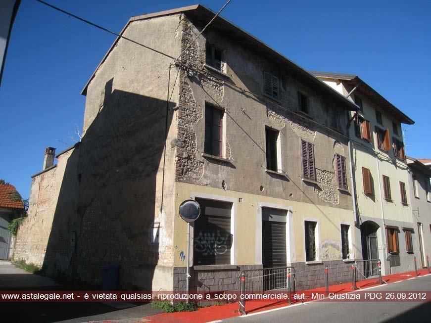 Verano Brianza (MB) Via Umberto I° 21/23