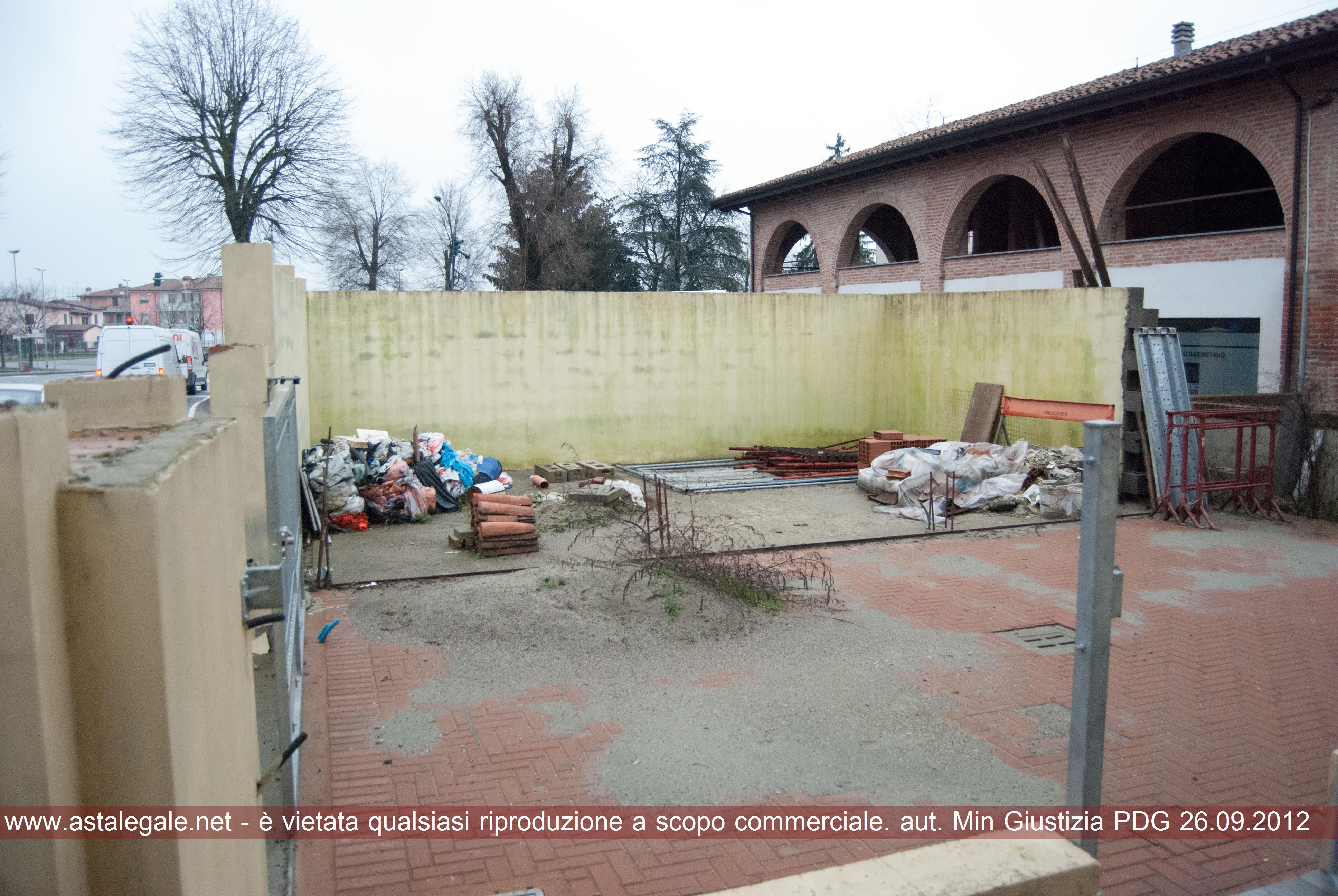 Caorso (PC) Via Roma, 22 ang. Via Garibaldi, 1
