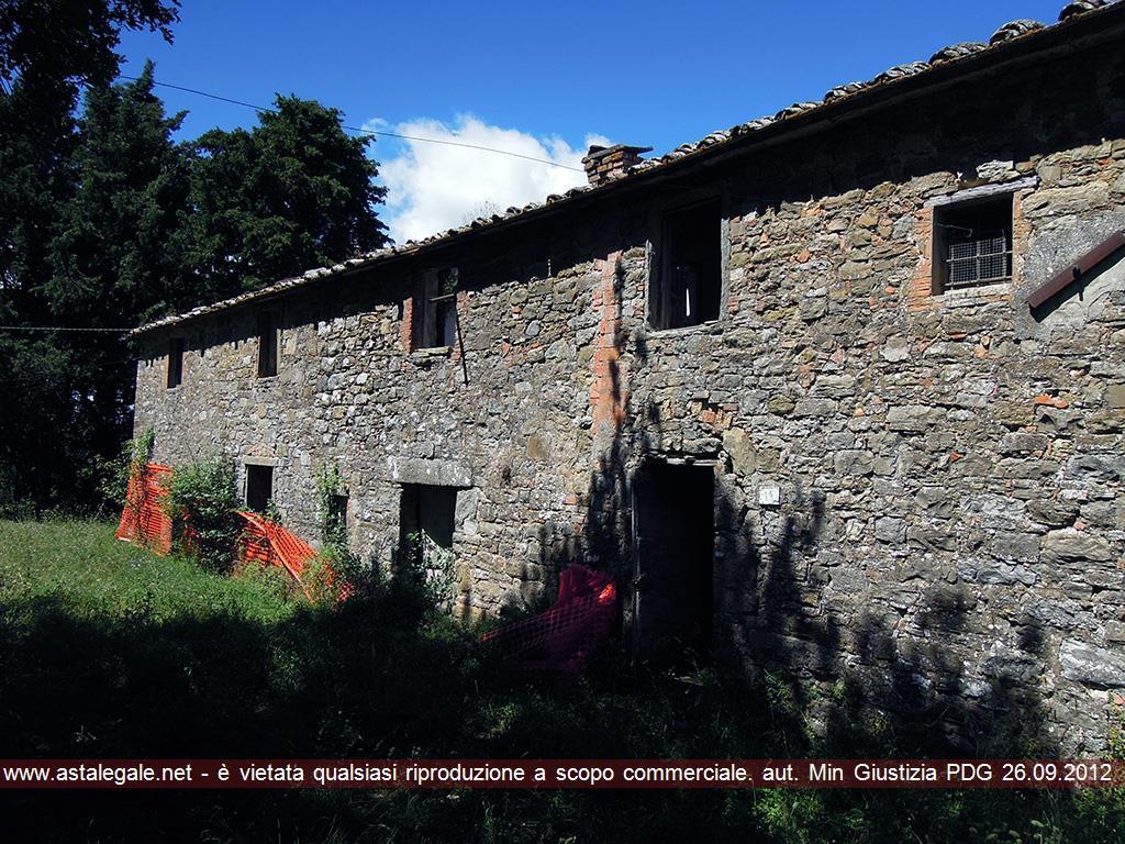 Pergine Valdarno (AR) Localita' Montelucci