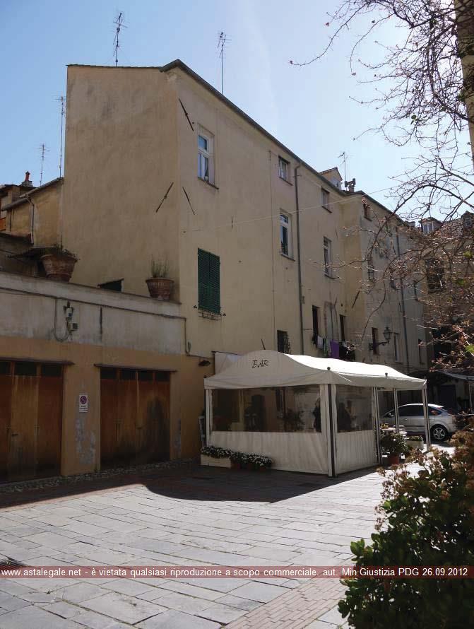 Albenga (SV) Quartiere Centro Storico, Piazza San Domenico 30