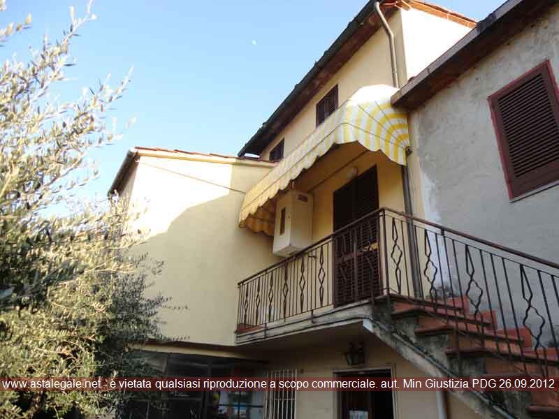 Porcari (LU) Via Dezza, Loc. Rughi