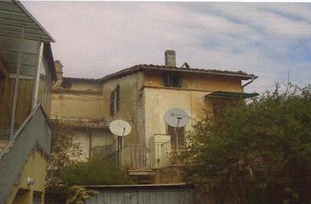 Spoleto (PG) Via Inghilterra, 9 - Fraz. San Giacomo