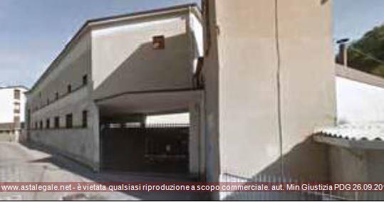 Canzo (CO) doppio accesso da Via Volta, 68 e Via Tosi, 29