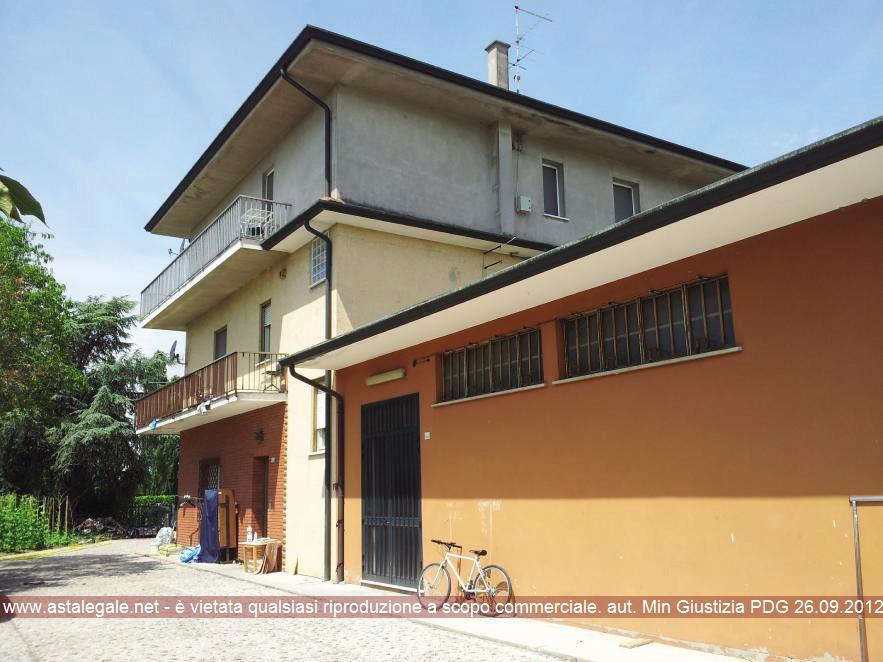 Gazzo Veronese (VR) Frazione Correzzo, Via Cavour 4 e 4/ter