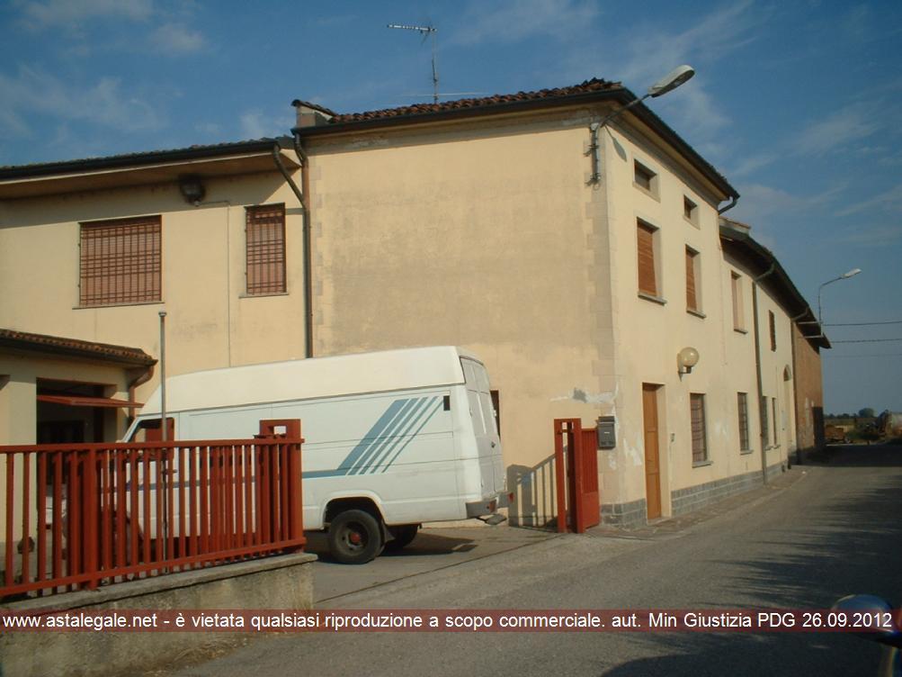 Cella Dati (CR) Frazione Pugnolo - Via Garibaldi 6