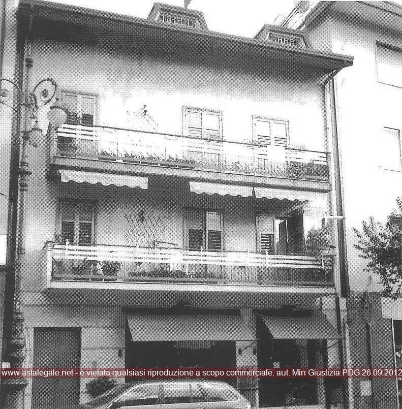 Solofra (AV) Piazza Umberto I 30