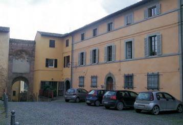 Umbertide (PG) Piazza San Francesco 8