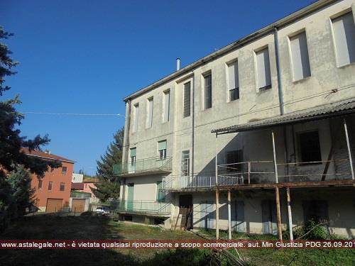Langhirano (PR) Via Di Vittorio, 4 ang. Via Roma snc