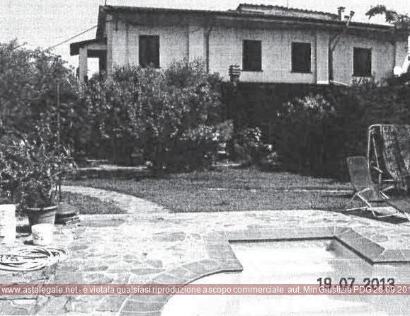 Lucca (LU) Frazione Antraccoli, Via della Chiesa 133