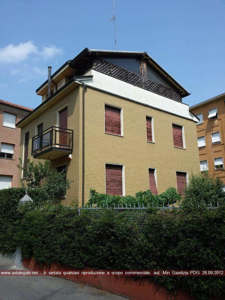 Parma (PR) Via G. Micheli 8