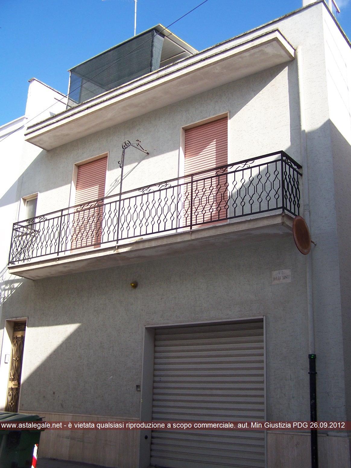 Francavilla Fontana (BR) Via Delli Santi 35