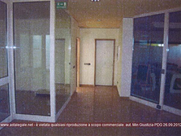 Affi (VR) Via Pascoli, all'interno del Centro Commerciale Affi 1