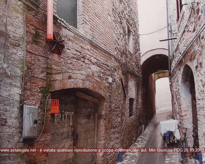 Foligno (PG) Via Caponi 2-4