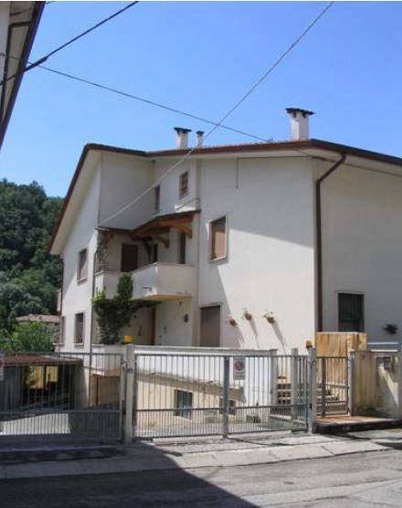 Valdagno (VI) Frazione Novale, Via Fazio 30
