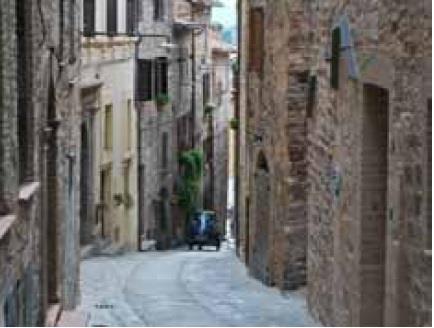Spello (PG) Via Sant'Angelo e Via Consolare 20/22/24