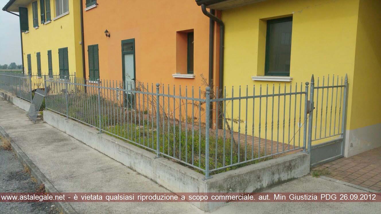 Redondesco (MN) Viale Vittorio Veneto  3 int. 7/8