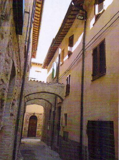 Foligno (PG) Via Caponi 10