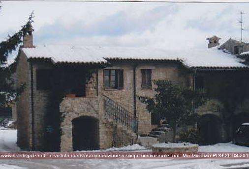 Gualdo Cattaneo (PG) Frazione Grutti - Via Umberto I° 14