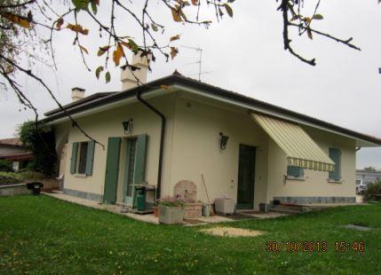 Volta Mantovana (MN) Strada Volta Valeggio 17