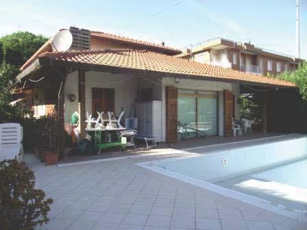 Albenga (SV) Reg. Avarenna, Via Don Lasagna 15