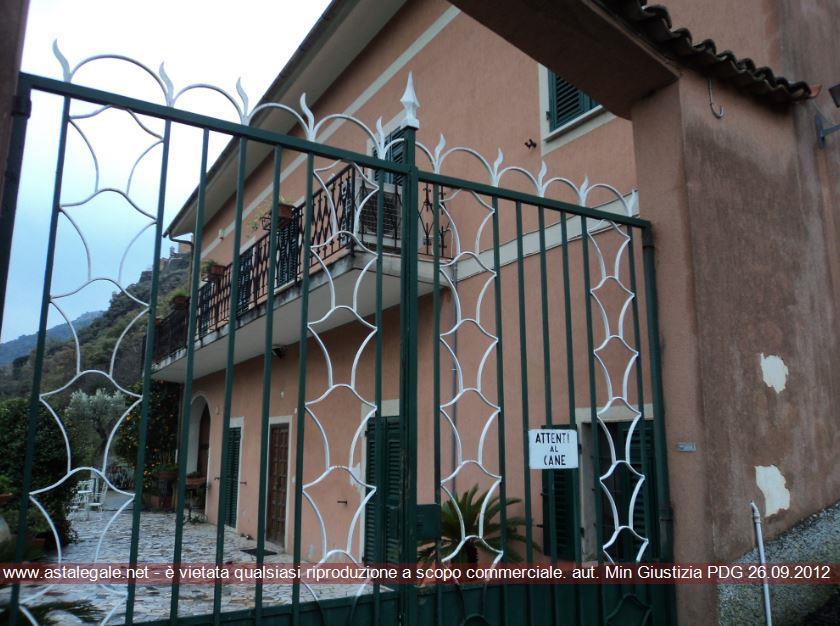 Finale Ligure (SV) Localita' Borgo,quartiere Borgo, Strada Romana 18